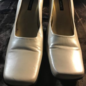 Nine West Cream Pumps